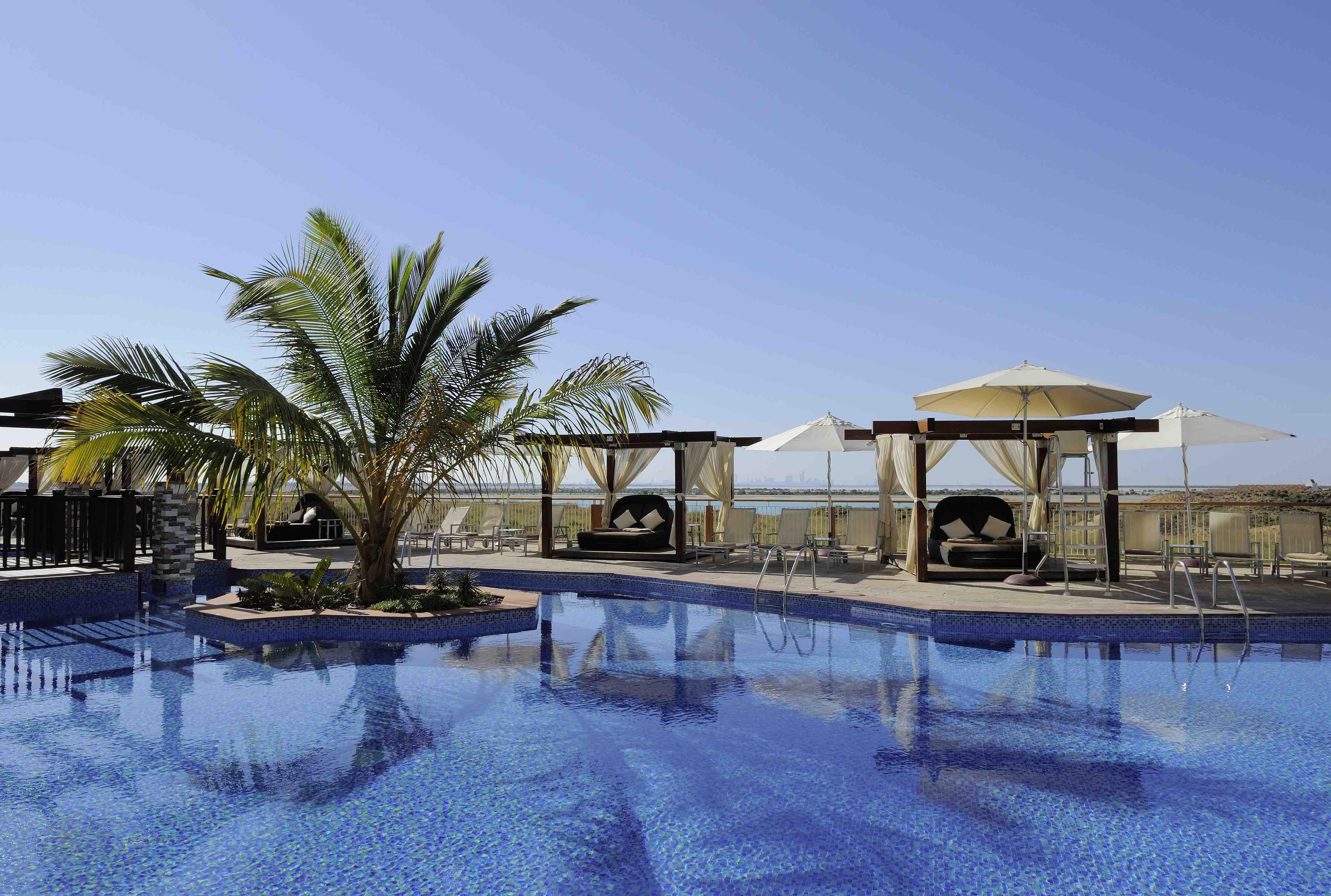 radisson blu hotel, abu dhabi yas island yas plaza - haute grandeur