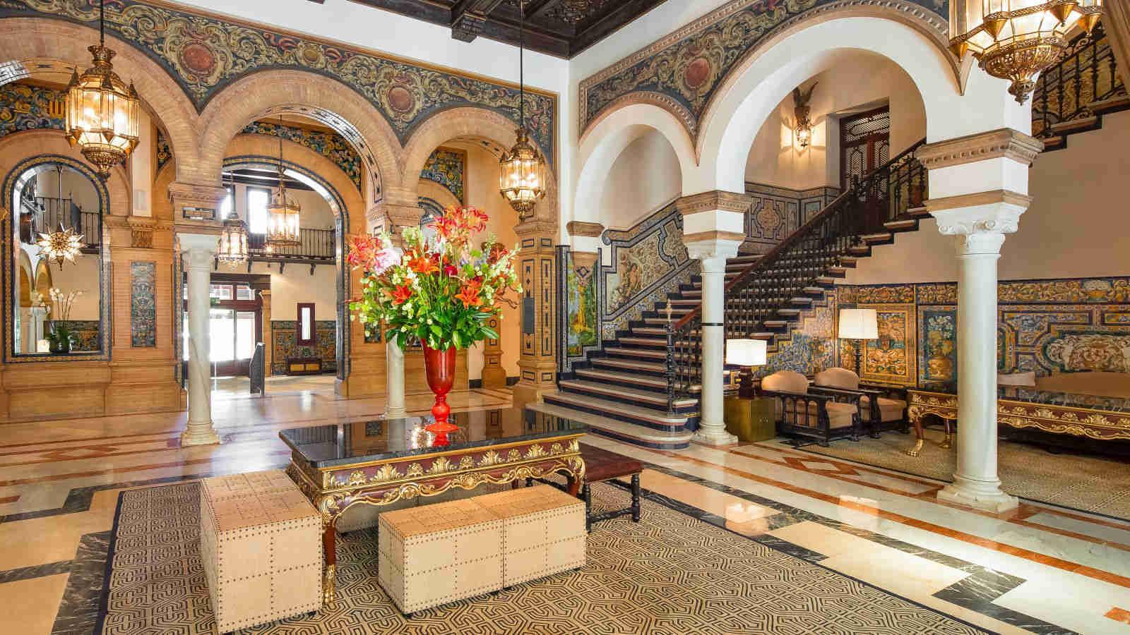 Hotel alfonso xiii haute grandeur for Hotel design seville